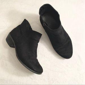 TORRID   Black Suede Stacked Heel Ankle Bootie 10W